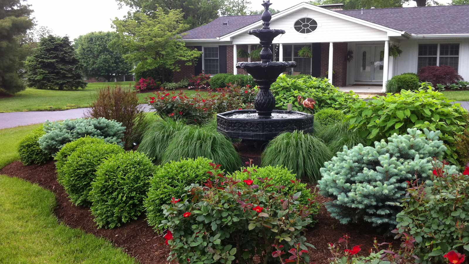 Residential landscape landscaping residential design for Garden design landscaping ideas